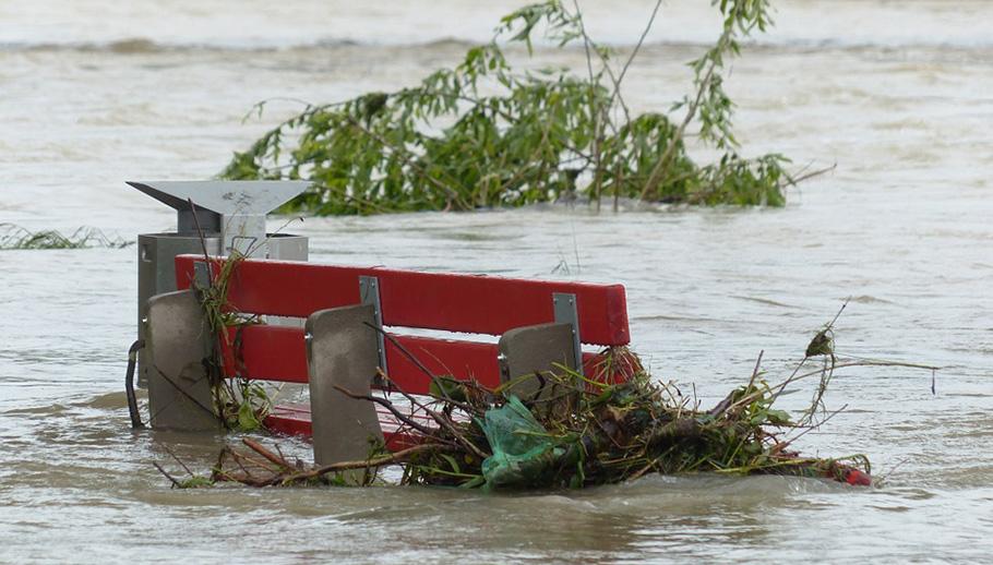 INONDATIONS RIVERAINES ET CHANGEMENTS CLIMATIQUES